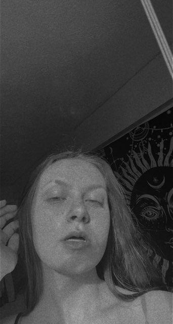 emily pariseault's profile image