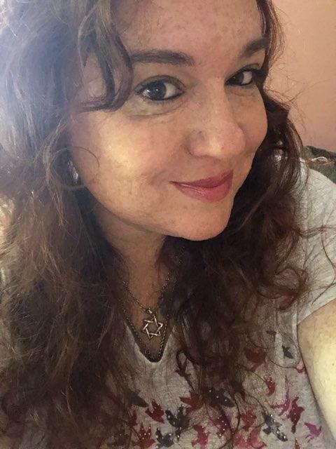 Suzanne Robinson's profile image