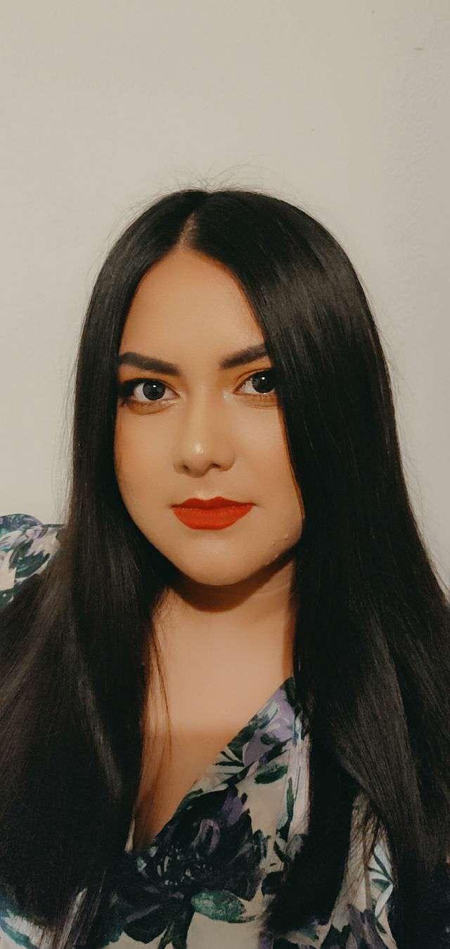 sara almendarez's profile image