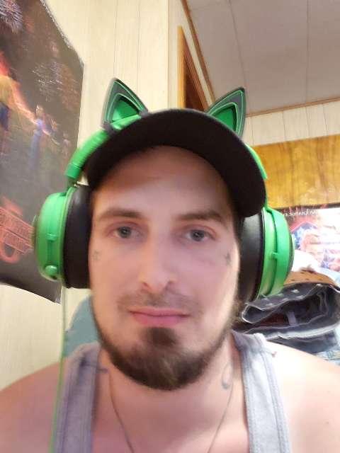 Mikey Pow's profile image