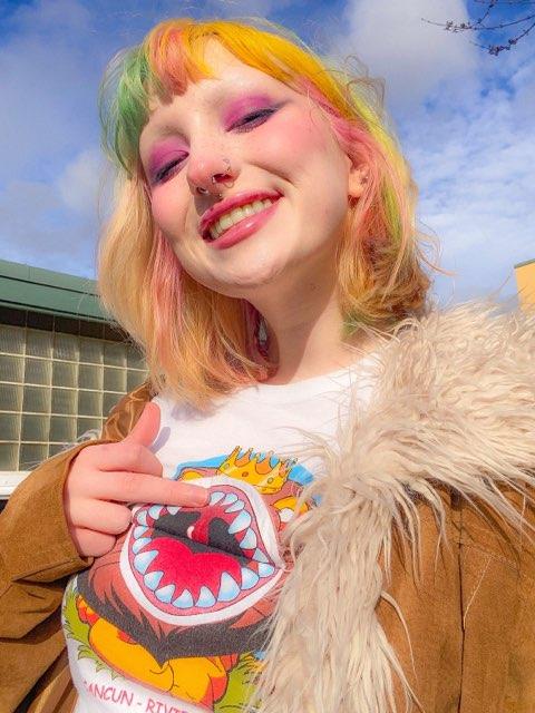 Zoe Lowe's profile image
