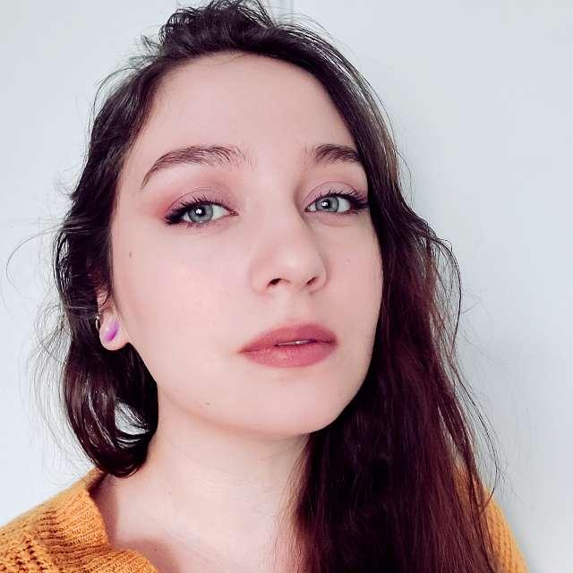 Emma Lough's profile image