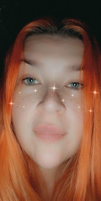 Elizabeth Lewis's profile image