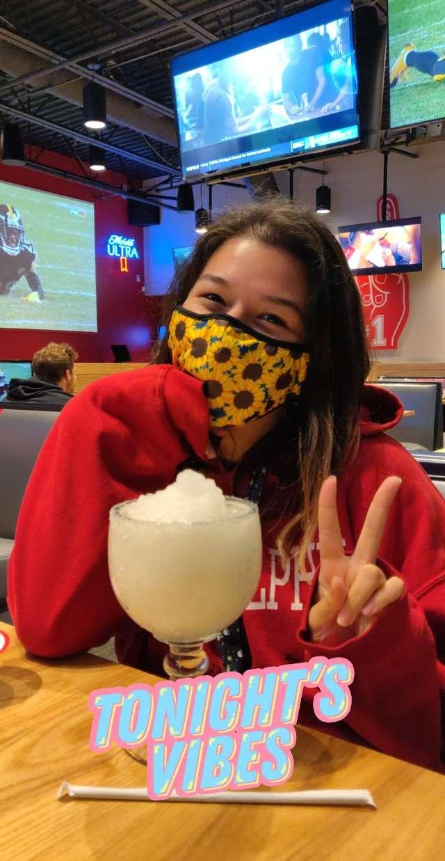 Julia Gonzales's profile image