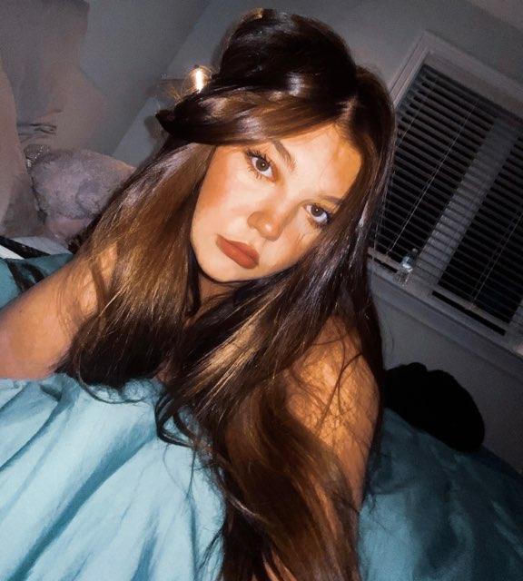 Leah Thompson's profile image