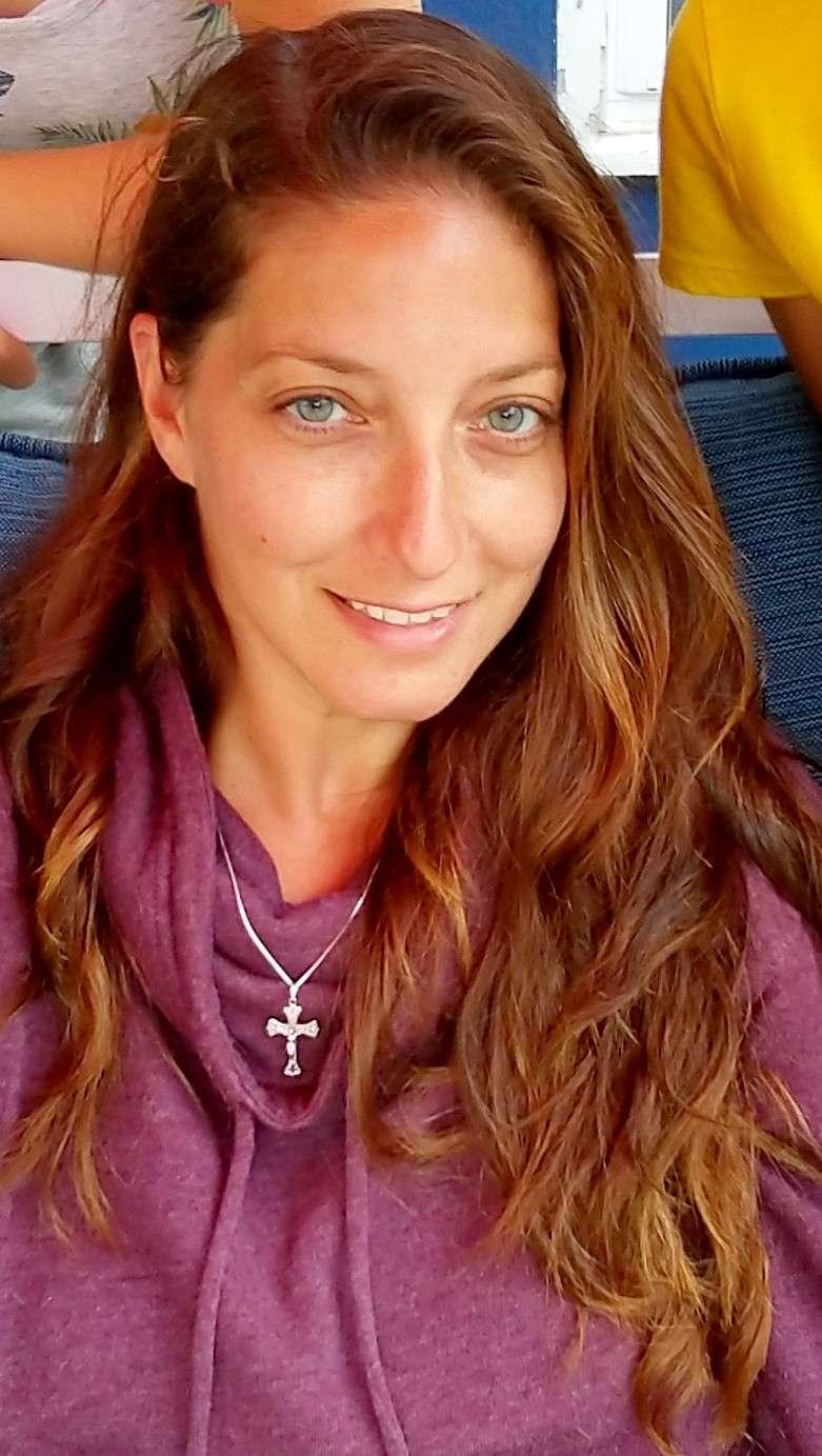 Vikki 's profile image