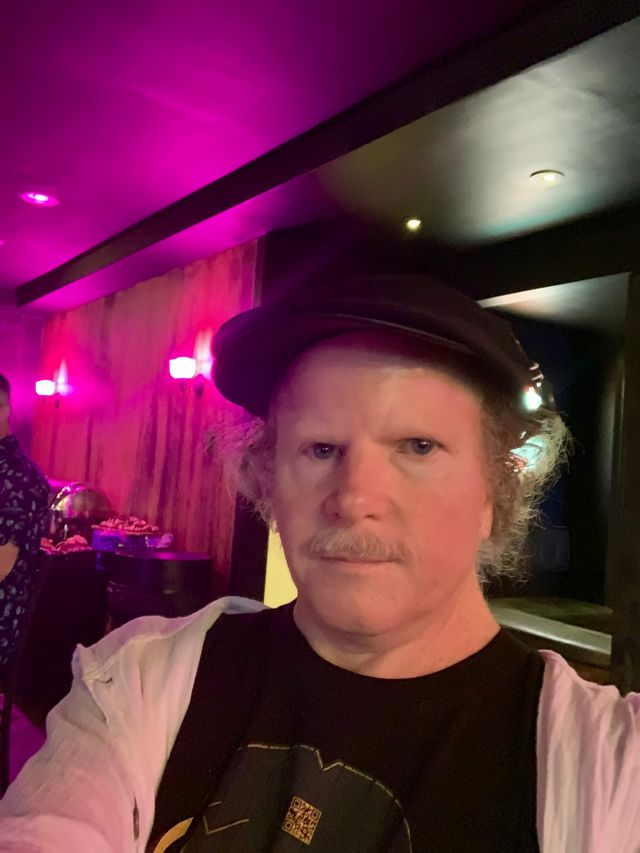Andrew Mossberg's profile image